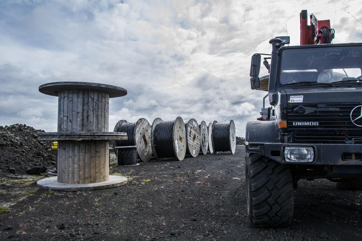 Alls voru plægðir 43 km af háspennujarðstreng í Meðallandi.